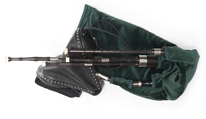 McCallum Scottish Small Pipes Bellows Blown the key of A or D, No Switch.